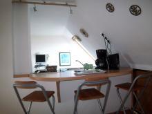 Küchenbereich der Ferienwohnung 1 mit Atelier-Schleiblick