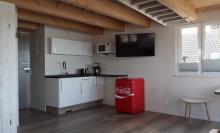 Küchenbereich der Ferienwohnung 4 im Obergeschoss des Anbaus